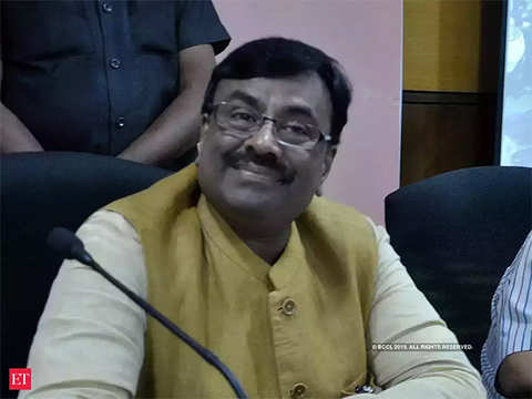 Implement Nyay scheme in your states, Maharashtra finance minister dares Congress