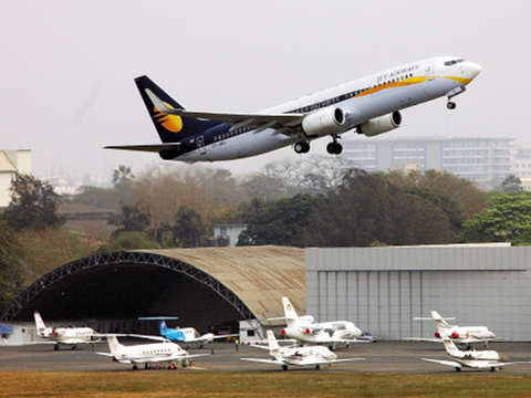 Suresh Prabhu directs officials to review issues related to Jet Airways