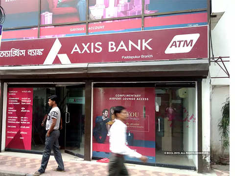 Axis Bank looks to acquire a large stake in Max Life