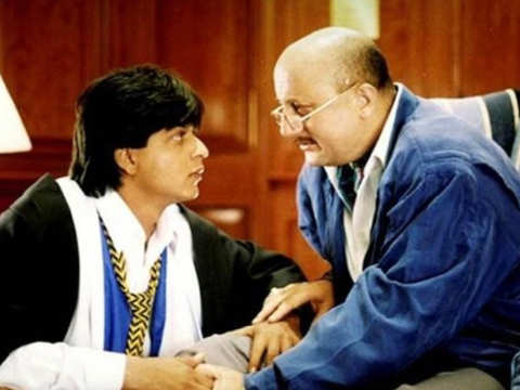 Anupam Kher and SRK's Twitter banter will remind you of their cool bond from 'Dilwale Dulhania Le Jayenge'