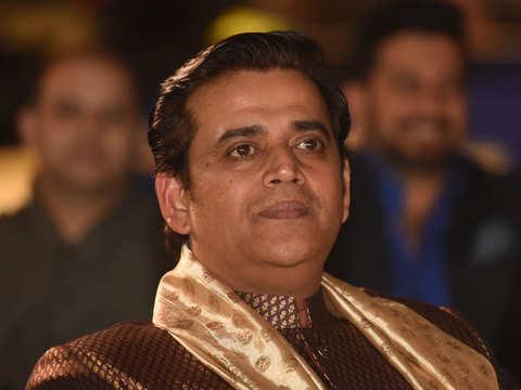 Now Ravi Kishan plans to make a Modi biopic in Bhojpuri