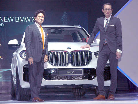 BMW bets on SUVs to set the pace