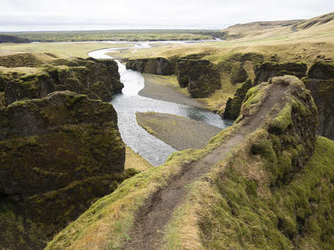 Justin Bieber fans bribe rangers with free trips, food for a selfie at now-shut Iceland canyon