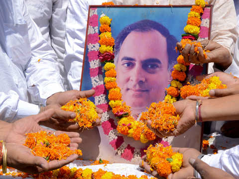 After barbs, PM Modi now pays tribute to Rajiv Gandhi on his death anniversary