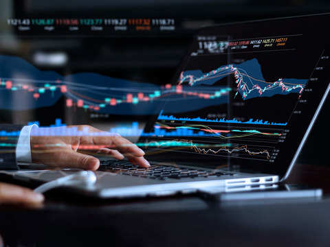 Trade setup: Avoid aggressive bets till election results are out