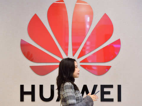 After US muscle flexing, Flex halts shipments to Huawei