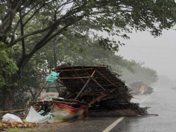Cyclone Fani News: Cyclone Fani bites Odisha, eight dead - The