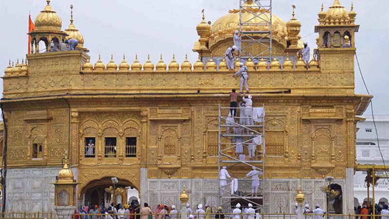 Police arrests 14 men for trespassing into Sikh temple in UK