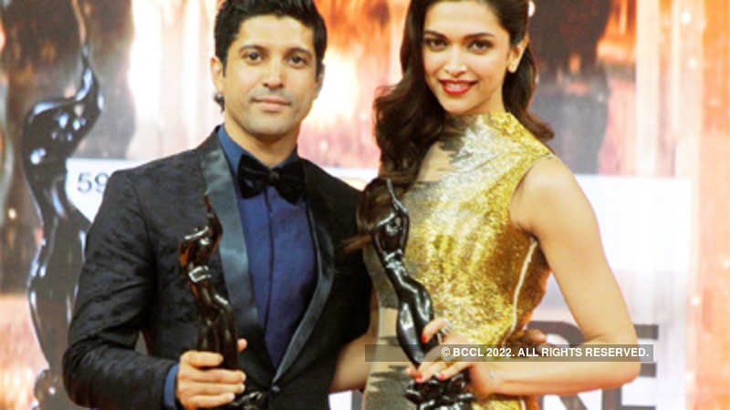 Bhaag Milkha Bhaag' sweeps Filmfare Awards 2013 - The Economic Times