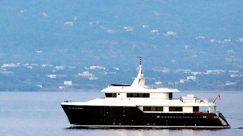 A secret group of 250 Facebook millionaires who discuss which yachts & tropical islands to buy