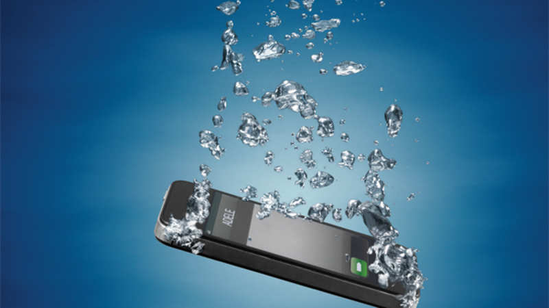 How to save your phone if you dropped it in water - The