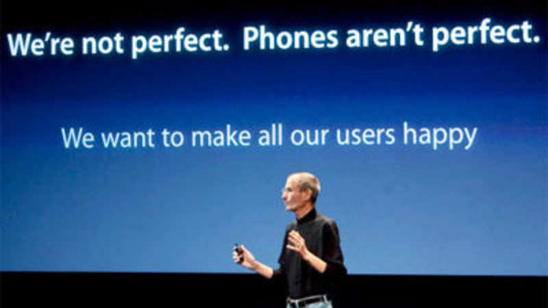Why Cant Steve Jobs Make Iphone At >> Apple Ceo On Antenna Problem We Aren T Perfect The Economic Times