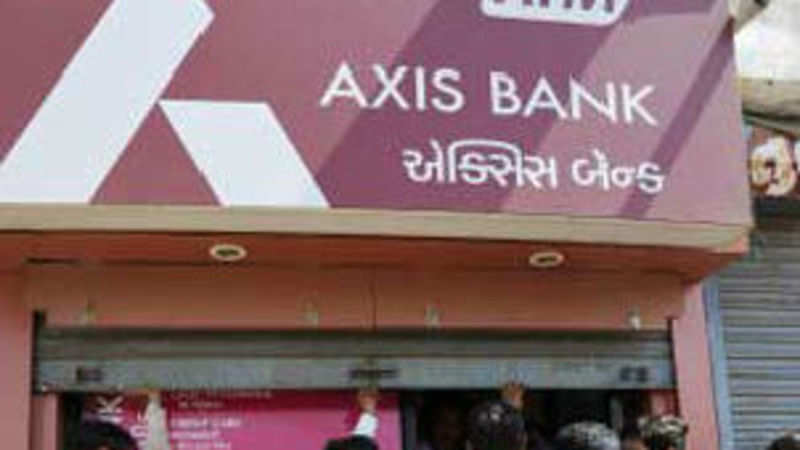 29 Axis bank accounts hacked, Rs 13 lakh withdrawn from ATMs - The