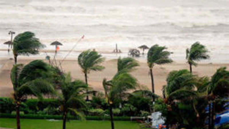 Large swathes devastated, cyclone Phailin weakens - The