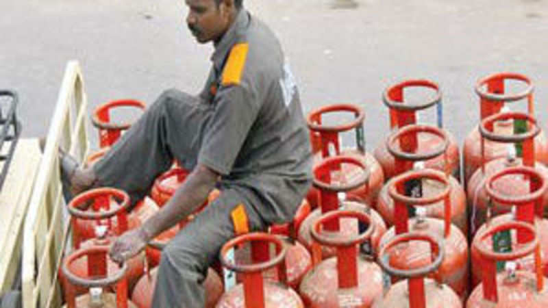 Users may get to keep both LPG, PNG connections - The Economic Times