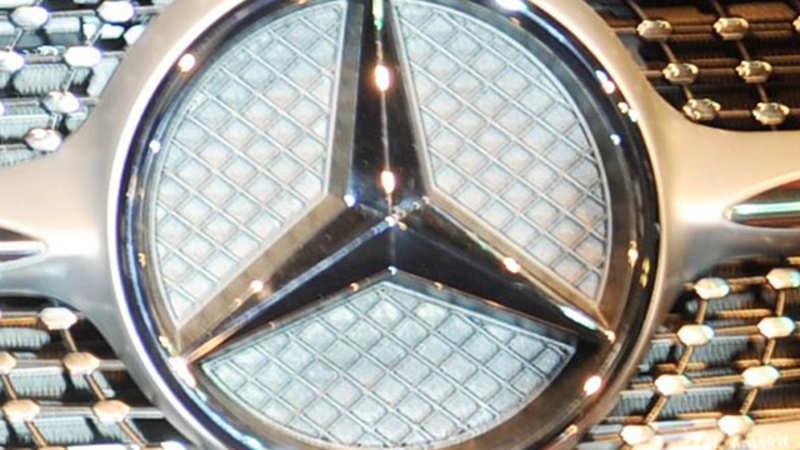 Daimler to invests 3 billion euro in clean diesel technology