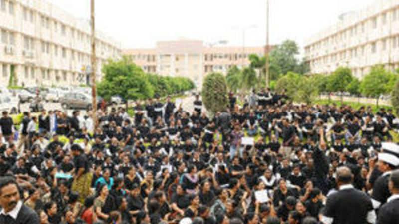 Seemandhra teachers to go on strike to oppose AP bifurcation