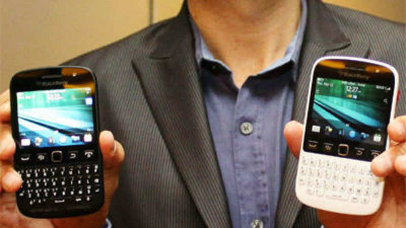 BlackBerry launches BB 9720 at Rs 15,990 - The Economic Times