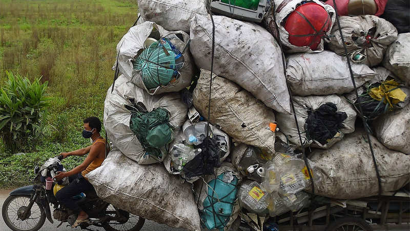 Industry seeks clarity on single-use plastic ban; officials say each state following its own policies is fragmenting industry