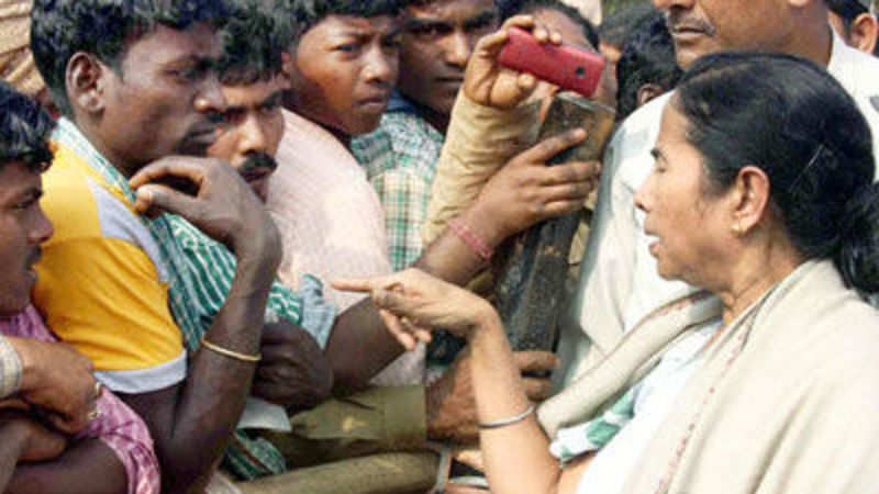 Mamata Banerjee visits Amlashole, the poorest village of