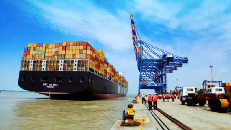 Mundra Port docks largest container ship in India - The Economic Times