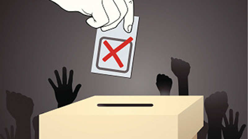 Tourists line up for ringside seat at Varanasi poll battle - The