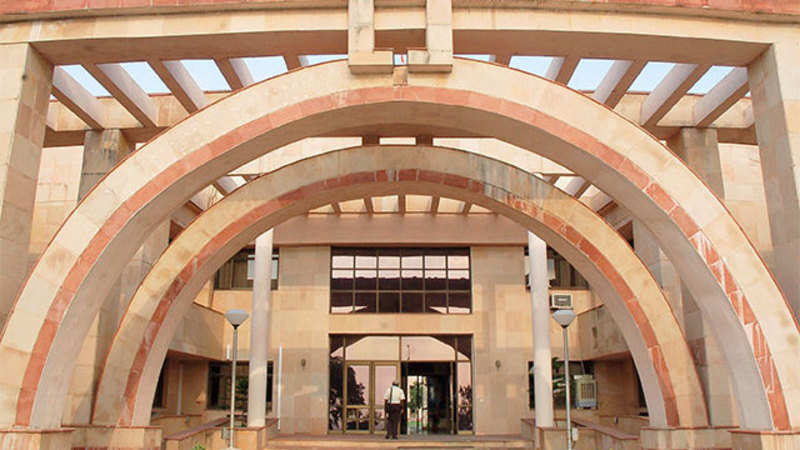 IIM Indore sees 10% jump in salary offers - The Economic Times