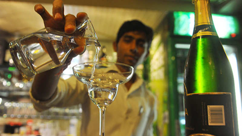 Now Apps to pick liquor of your choice, at economical price