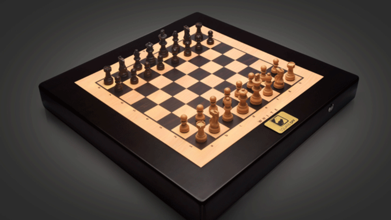 square off: Square Off: A smart chessboard that's straight