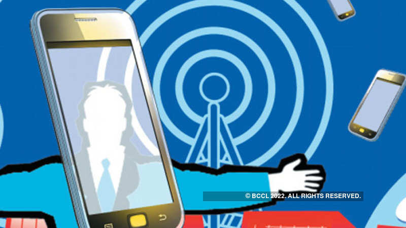 stocks: In brokers' guise, fraudsters trap investors with SMS tips
