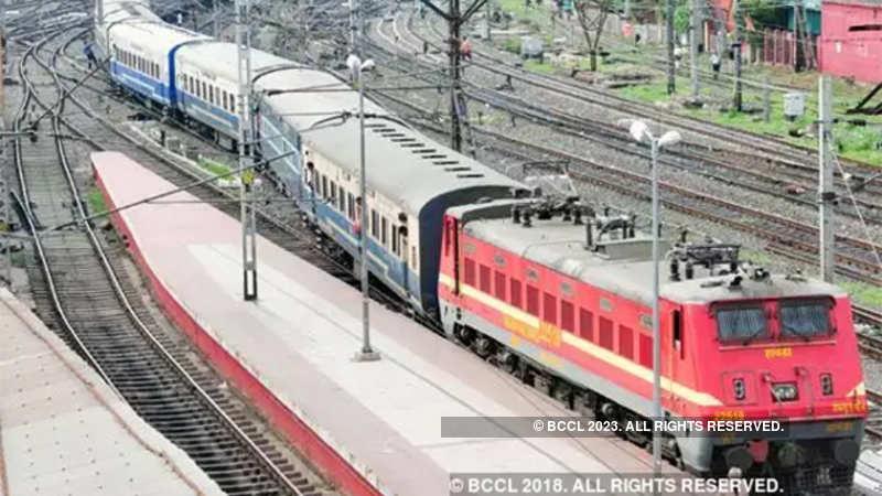Indian Railways: Class 10 minimum qualification for Level 1 posts