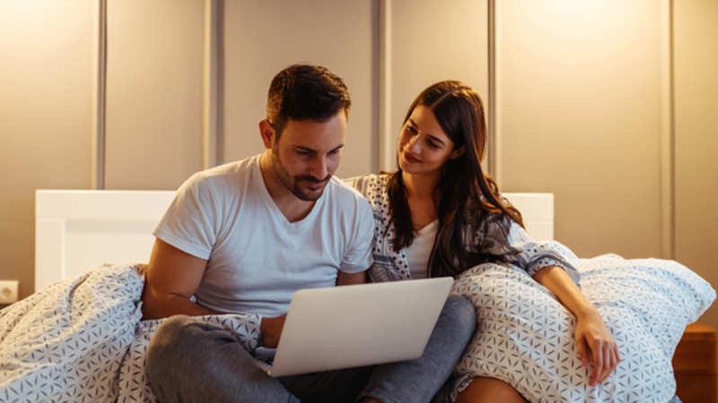 Online platforms help live-in couples find a home together