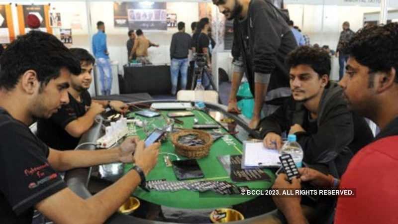 Online Poker: Raj Kundra's Viaan to take poker league online