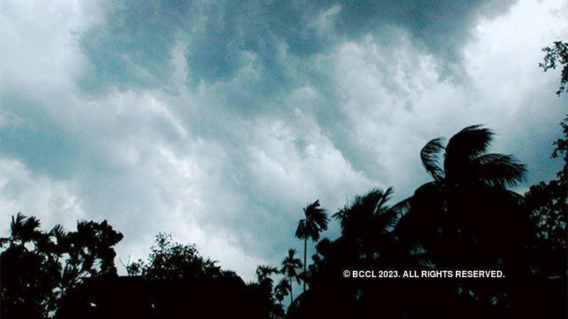 Delhi schools closed: Thunderstorm warning: Delhi govt orders
