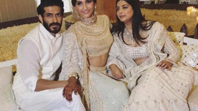 Veera Di Wedding.Sonam Kapoor Sonam Kapoor S Veere Di Wedding To Clash With
