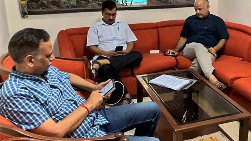 Arvind Kejriwal: Why is Arvind Kejriwal not at home? The truth about