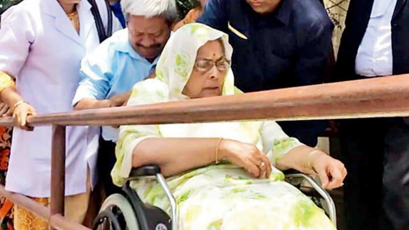 Former Congress CM Arjun Singh's wife accuses sons of harassment