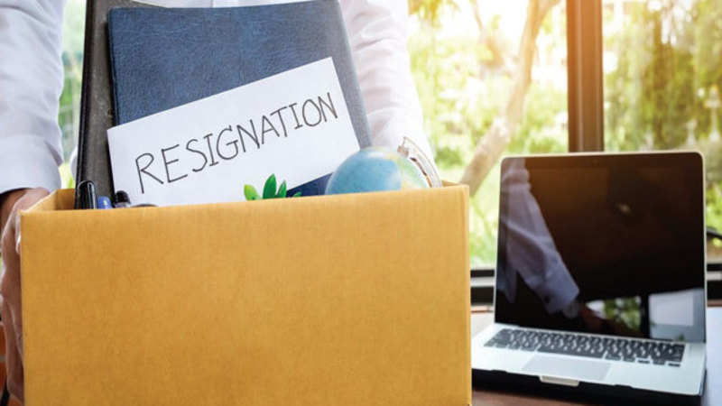 Job: 7 right reasons to leave your job and when not to quit