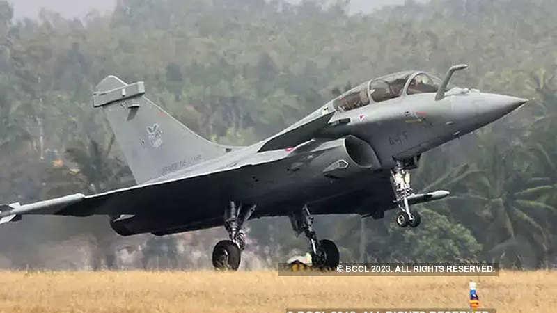 IAF Deputy Chief flies first Rafale manufactured by Dassault