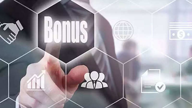 Wipro rolls out bonus plan for juniors to curb attrition - The