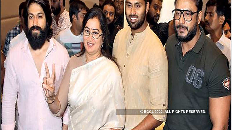 Sumalatha Ambareesh to take on Nikhil Kumaraswamy in Mandya