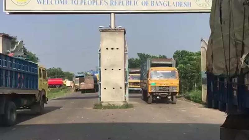 Annual Rs 600 crore worth Indo-Bangladesh stone boulder trade facing