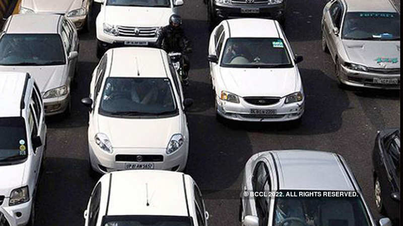 Passenger Vehicle Sales Fall The Most In 18 Years The Economic Times