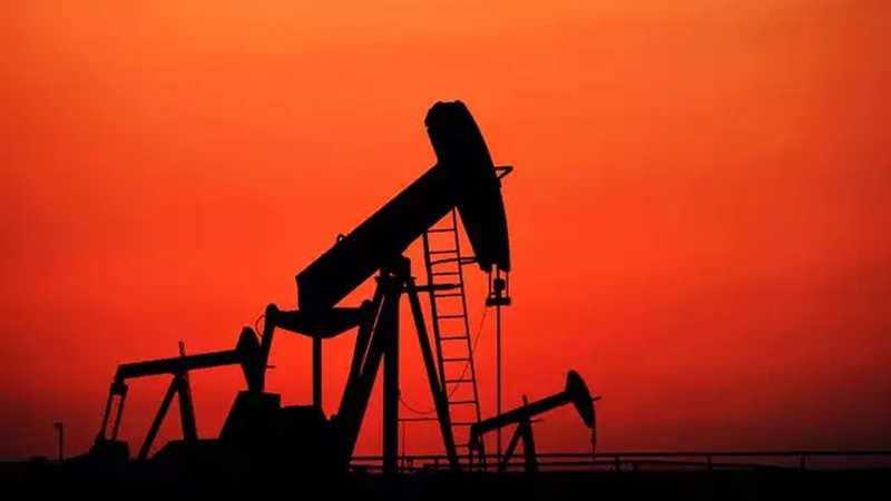 oil prices: Oil rises as US crude stocks fall again, Fed