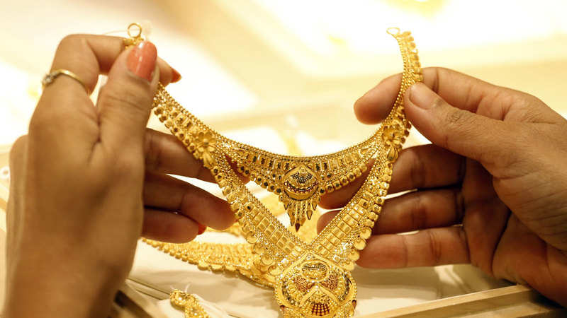 Gold Price Today Gold Price Tops Record Rs 40000 Mark As