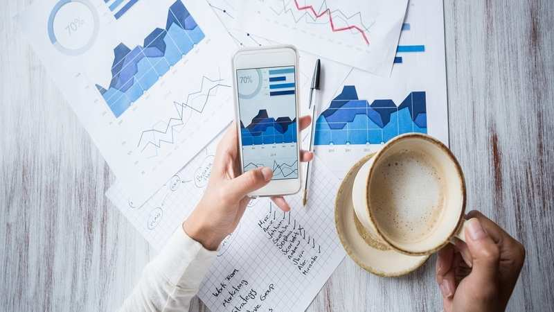 Large cap ETFs beat actively-managed funds, index funds
