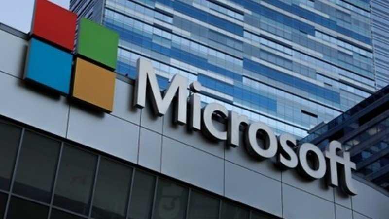 Microsoft employees & interns mock company's Windows phone