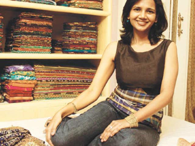 f9ecb980ca5c1 Nalli Silks  Family scion Lavanya weaving Nalli s new design for future to  add global perspective