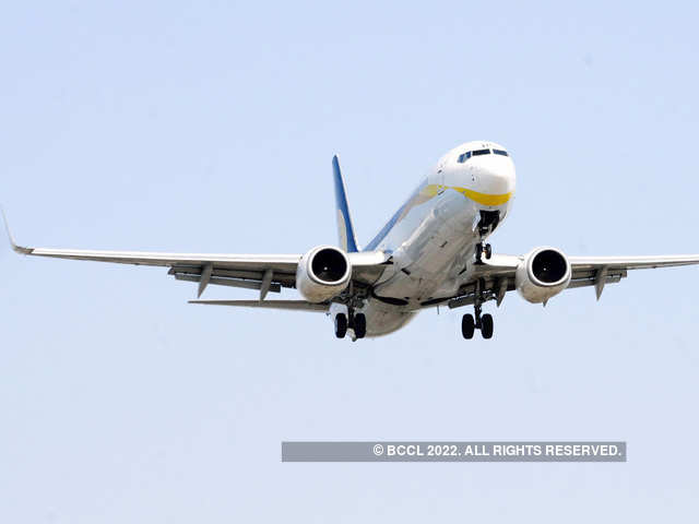 Aviation stocks: Looking at airline stocks to play oil price fall