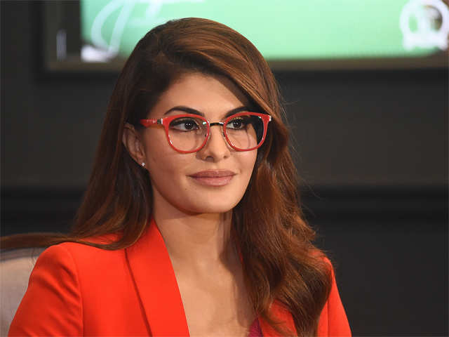 jacqueline fernandez suffers permanent eye injury while shooting for